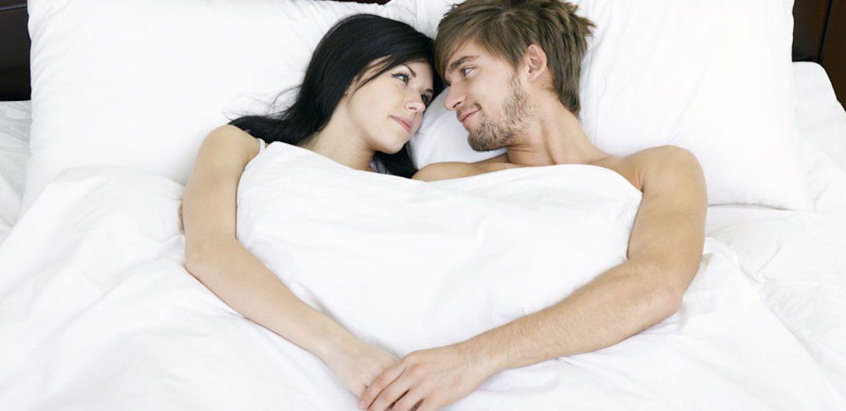 10 Lucruri Pe Care Cuplurile Fericite Le Fac înainte De A Merge La Culcare
