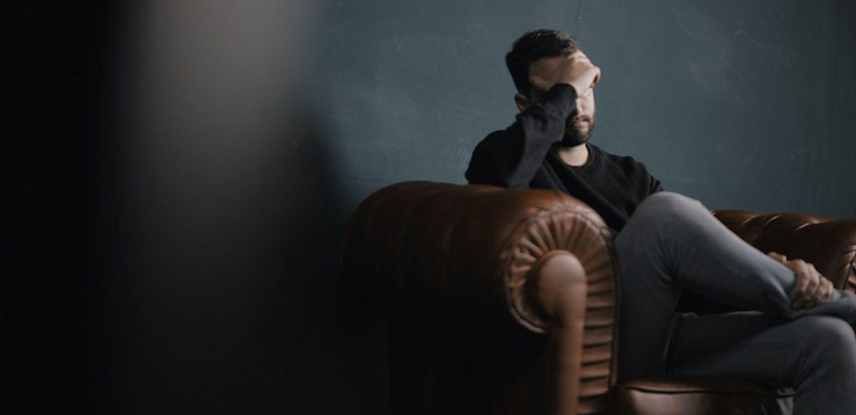 Cititorii Întreabă: Partenerul Meu Are Atacuri De Panică și Nu Mă Ascultă Când îi Spun Că Sunt Prostii. Ce Să Mai Fac?