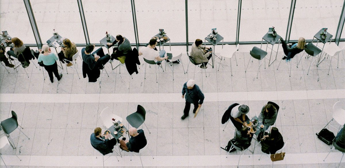 Small Talk Sau Cum Ne Risipim Energia în Discuții Inutile