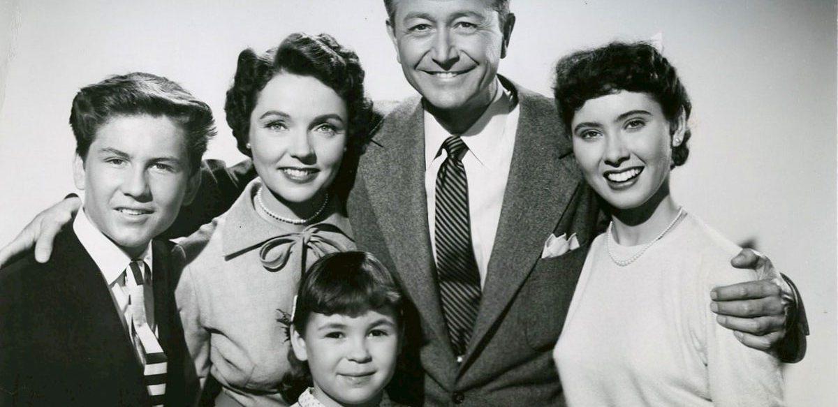 Cât De Tradițională Poate Fi O Familie?