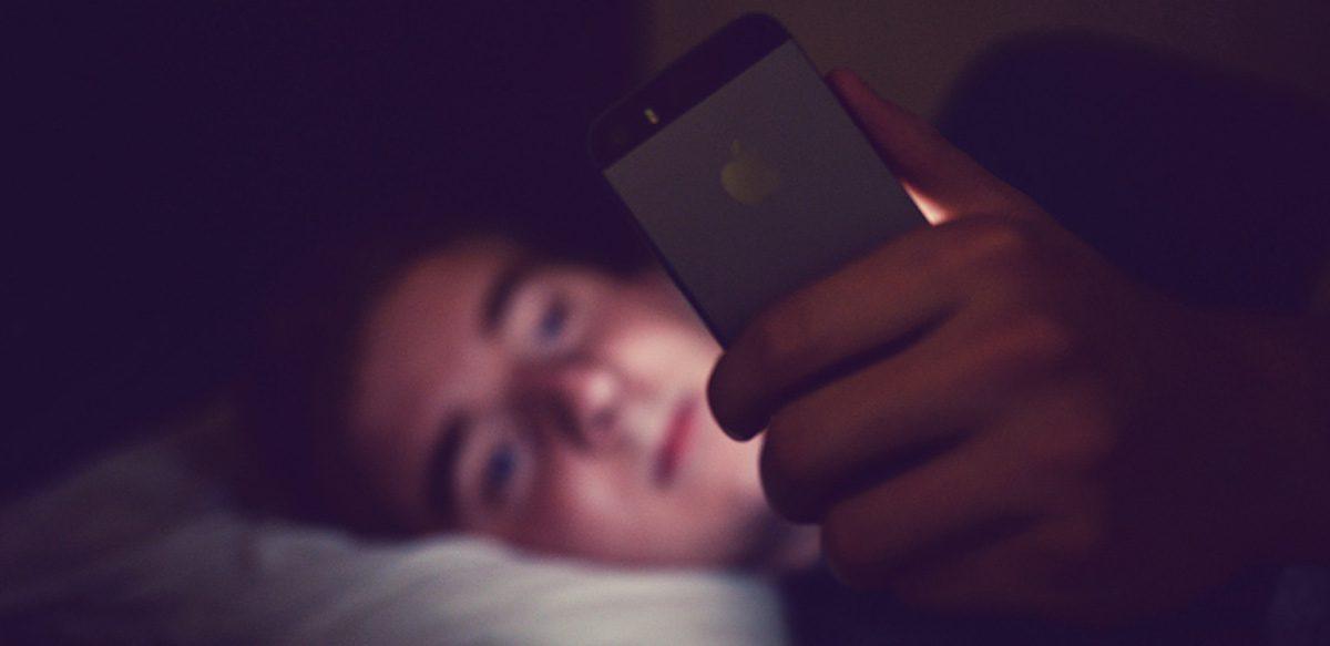 Adolescenții și Folosirea Telefoanelor Mobile Noaptea