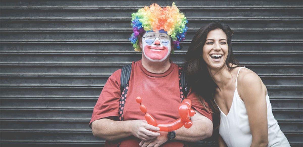 Zâmbetul și Umorul — Despre Terapia De A Privi Viața Cu Seninătate