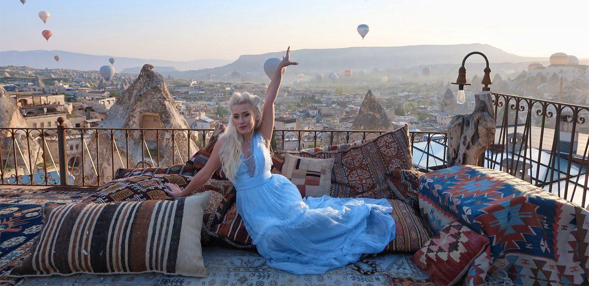 Interviu Cu Sînziana Iacob – Topită în Iubire Nemărginită