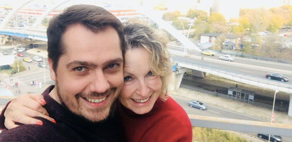 Interviu La Minut Cu Rebecca Sears – Puterea Relațiilor