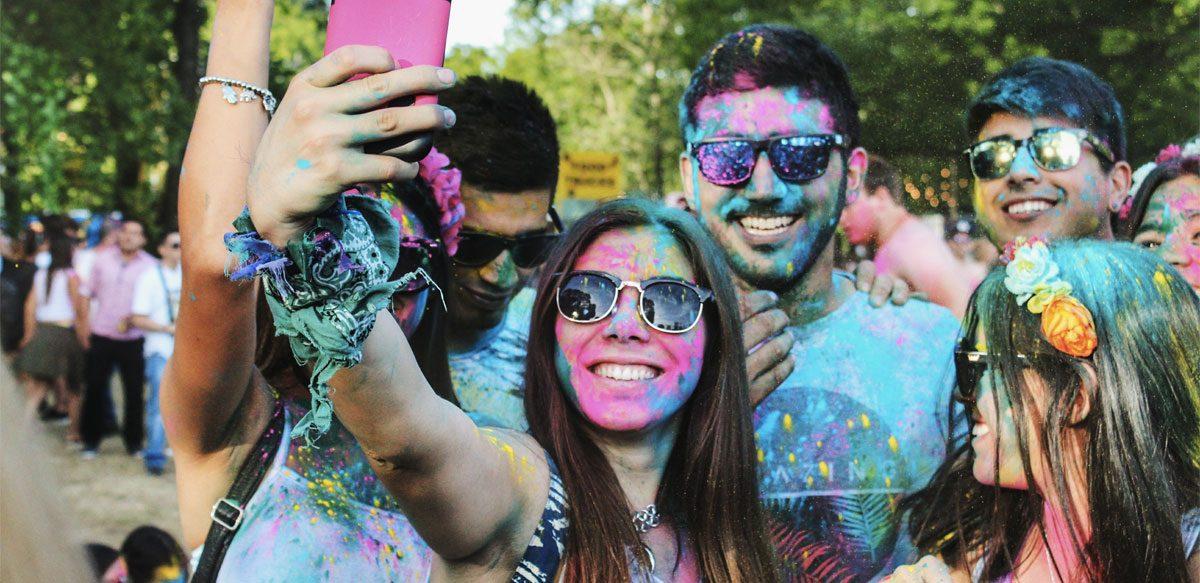 Cum Trăiesc și Iubesc Cei Din Generația Millennials