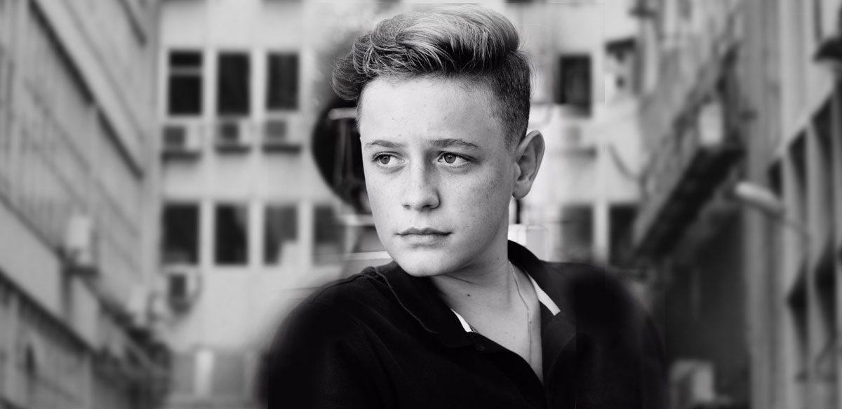 Interviu La Minut Cu Aris Melkior Eram – Despre Adolescență