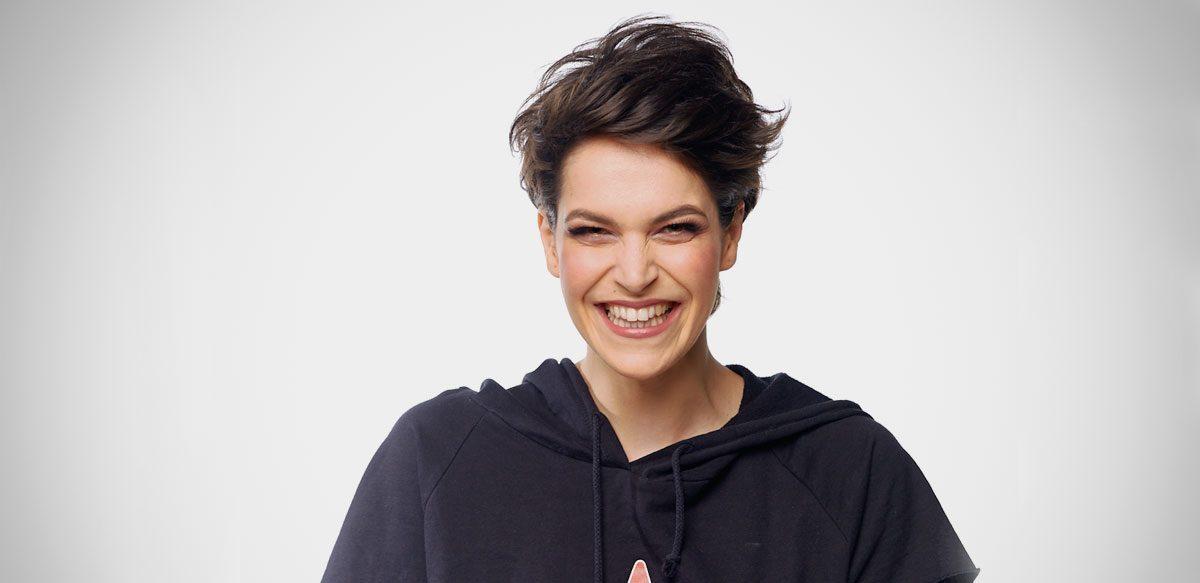 Radioul M-a Hipnotizat De Mică. Interviu Cu Andreea Remețan