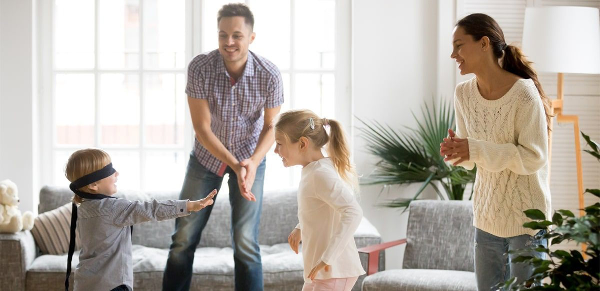 """Cum Poți Face Mai Distractive Zilele De Vacanță Care Au Mai Rămas? Idei De Jocuri Pentru Copiii Mici și """"copiii"""" Mari"""