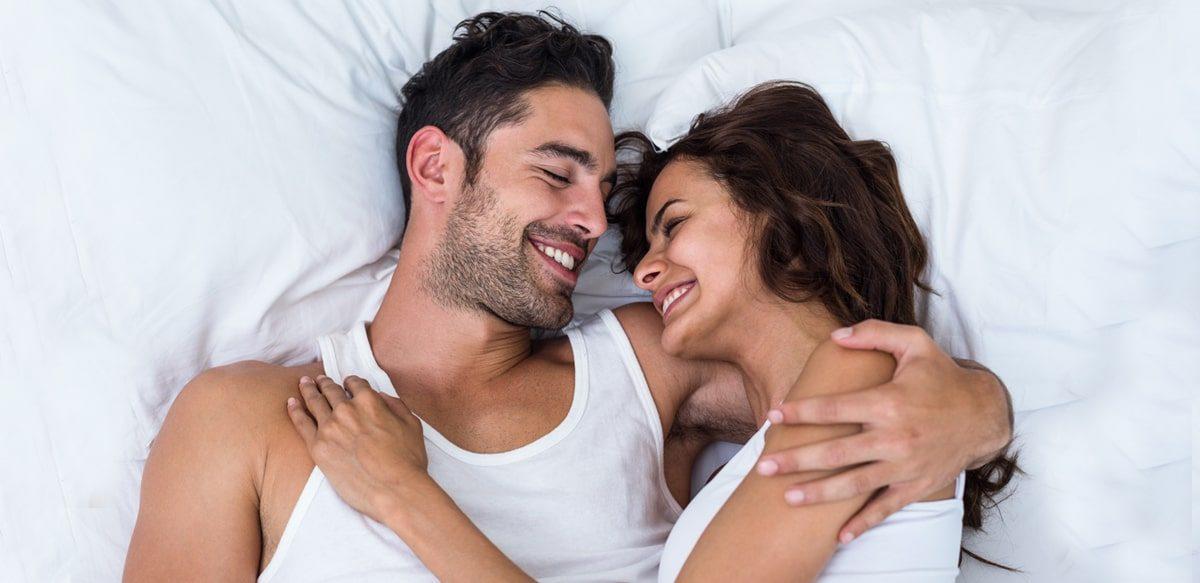 Iubind în Liniște. Comunicarea Non-verbală și Limbajul Corporal în Cuplu