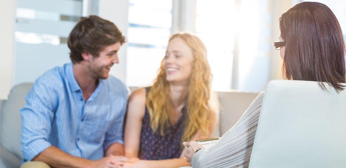 5 Pași Pentru A Vă încuraja Partenerul Să începeți împreună O Terapie De Cuplu