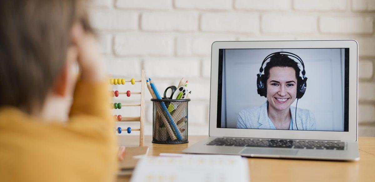 Care Este Secretul școlilor Care Au Implementat Cu Succes Predarea Online?