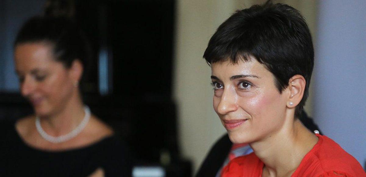 """Interviu Oana Marinescu: """"Ne Pricepem Mai Degrabă Să Evităm Subiectele Grele, Decât Să Le Discutăm în Mod Autentic."""""""
